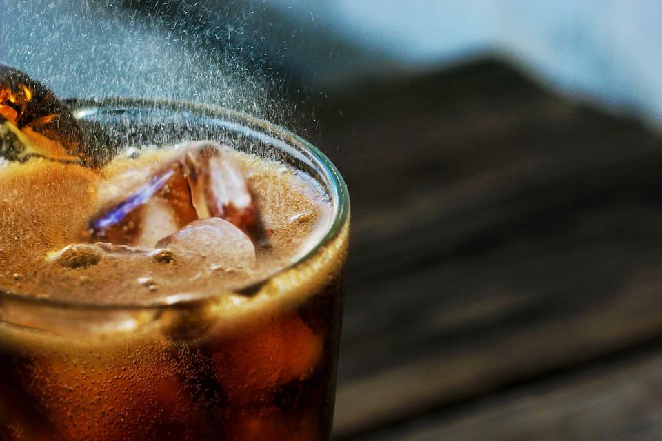 Coca-Cola, refrescando tu vida desde 1886.